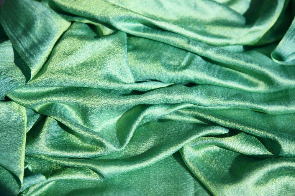 Et silketørklæde er den perfekte gave til en, du holder af