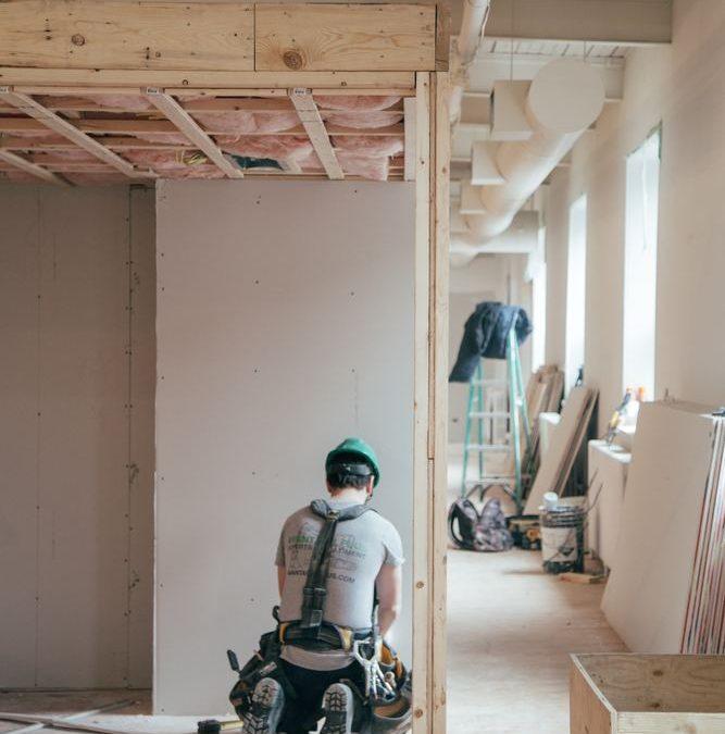 Få den bedste hjælp til istandsættelsen hos din lokale tømrer