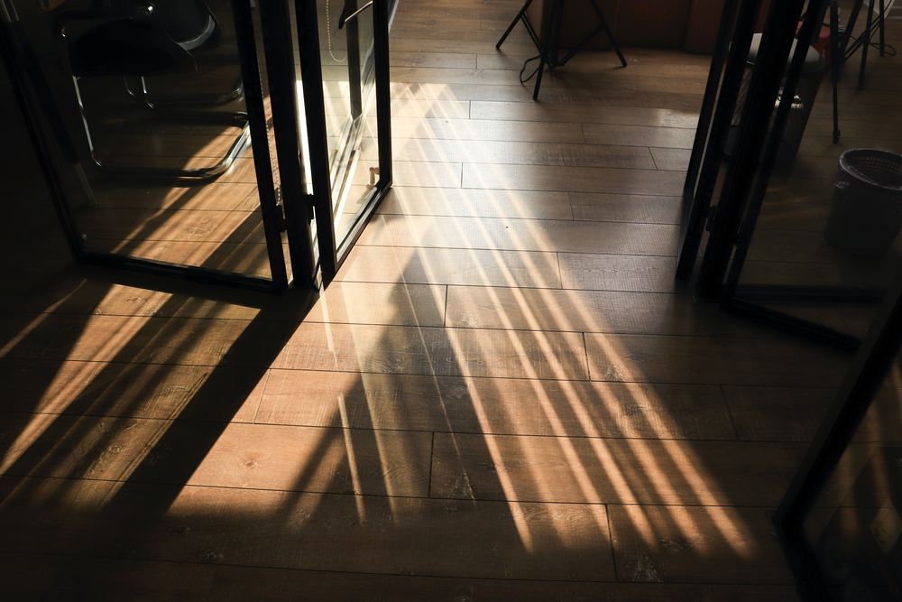 Kan det betale sig at slibe gulv selv i din bolig i Kalundborg?